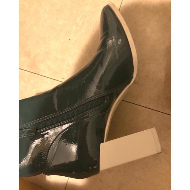 GRL(グレイル)の田中みな実 スクエアトゥエナメルショートブーツ グリーン レディースの靴/シューズ(ブーツ)の商品写真