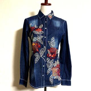 ナラカミーチェ(NARACAMICIE)の試着の美品。23100円ナラカミーチェ フラワーエンブロイダリーデニム長袖シャツ(シャツ/ブラウス(長袖/七分))