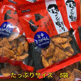 カメダセイカ(亀田製菓)の技のこだ割り旨辛とうがらし  たっぷり110g  5袋 辛いお煎餅(菓子/デザート)