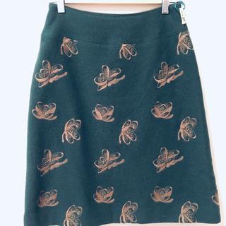 ミナペルホネン(mina perhonen)のSally Scott スカート サリースコット 刺繍 グリーン(ひざ丈スカート)