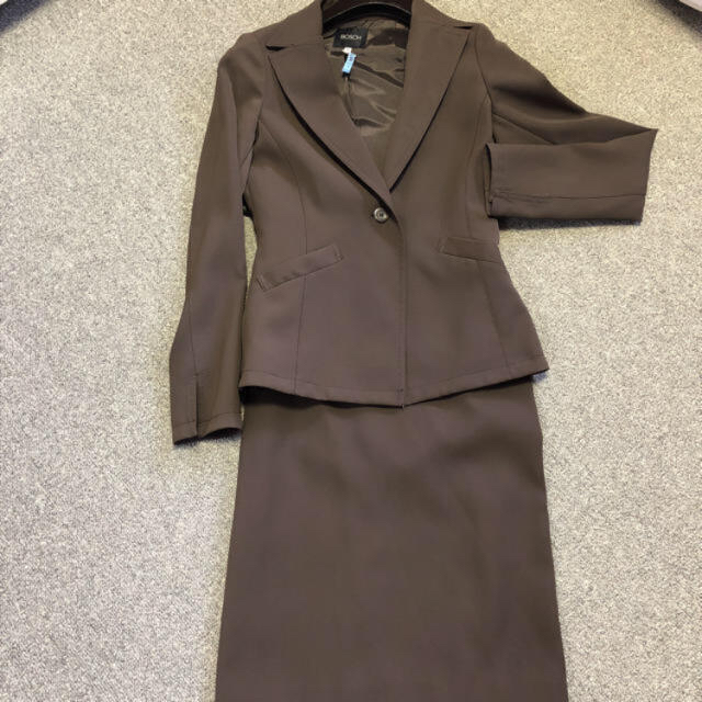 BOSCH(ボッシュ)のボッシュ ブラウン スーツ セットアップ レディースのフォーマル/ドレス(スーツ)の商品写真