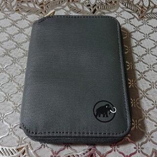 マムート(Mammut)の【ほぼ未使用】MAMMUT ジップウォレット(折り財布)
