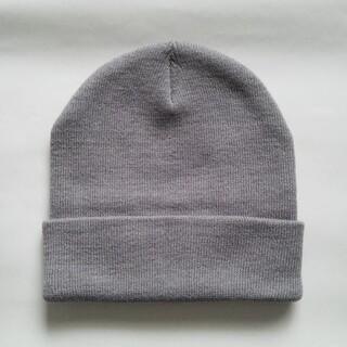 新品 ニット帽 グレー【限定 現品限り】本日限定値下げ2222→1555(ニット帽/ビーニー)