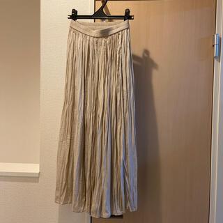 ユニクロ(UNIQLO)のユニクロ ワッシャーサテンスカートパンツ ナチュラル Sサイズ(その他)
