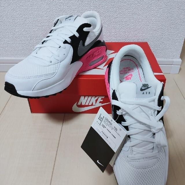 NIKE(ナイキ)の[専用]NIKEスニーカー 23.5cmウィメンズエアマックスエクシー レディースの靴/シューズ(スニーカー)の商品写真