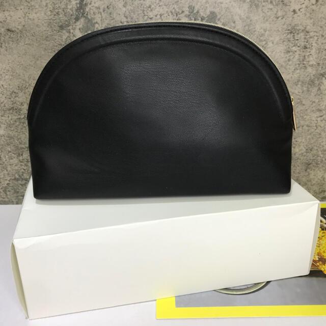 CHANEL(シャネル)のシャネル 2020年最新 PARFUMS  ノベルティ ポーチ ブラック レディースのファッション小物(ポーチ)の商品写真