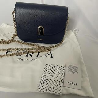 フルラ(Furla)の新品 FURLA フルラ ミニショルダーバッグ チェーン ネイビー (ショルダーバッグ)