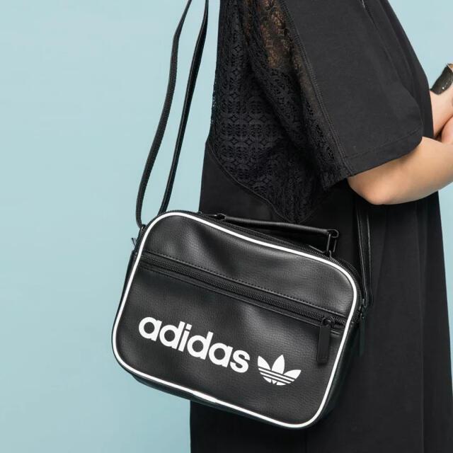 adidas(アディダス)の【新品】アディダスオリジナルス ショルダーバッグ メンズのバッグ(ショルダーバッグ)の商品写真