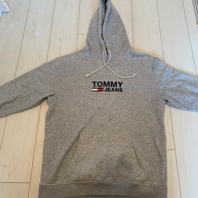 TOMMY(トミー)の【¥13000→¥3980】  TOMMY JEANS ロゴ入りパーカー メンズのトップス(パーカー)の商品写真