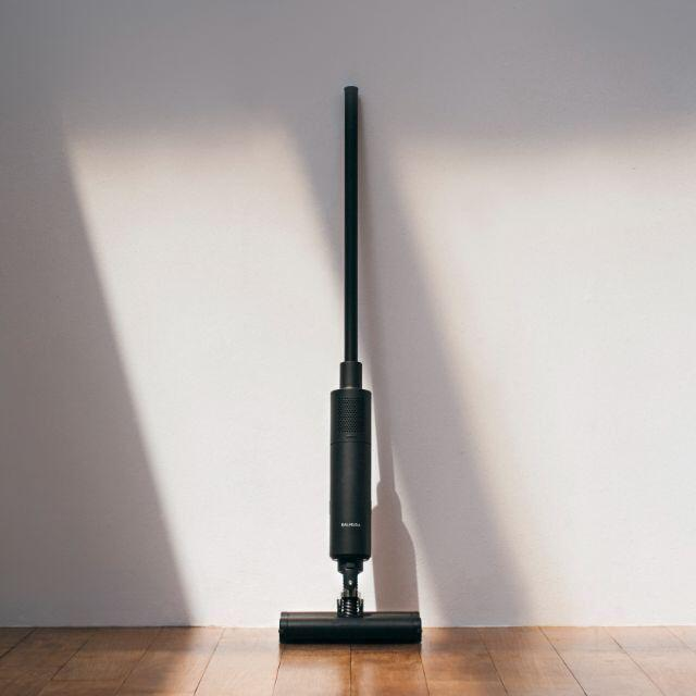 BALMUDA(バルミューダ)の[新品送料込] バルミューダ クリーナー C01A-BK 掃除機  スマホ/家電/カメラの生活家電(掃除機)の商品写真