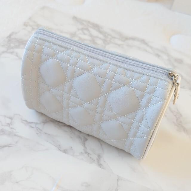 Dior(ディオール)の【Dior ディオール】*新品未使用*カナージュモチーフ グレーポーチ 限定品 レディースのファッション小物(ポーチ)の商品写真