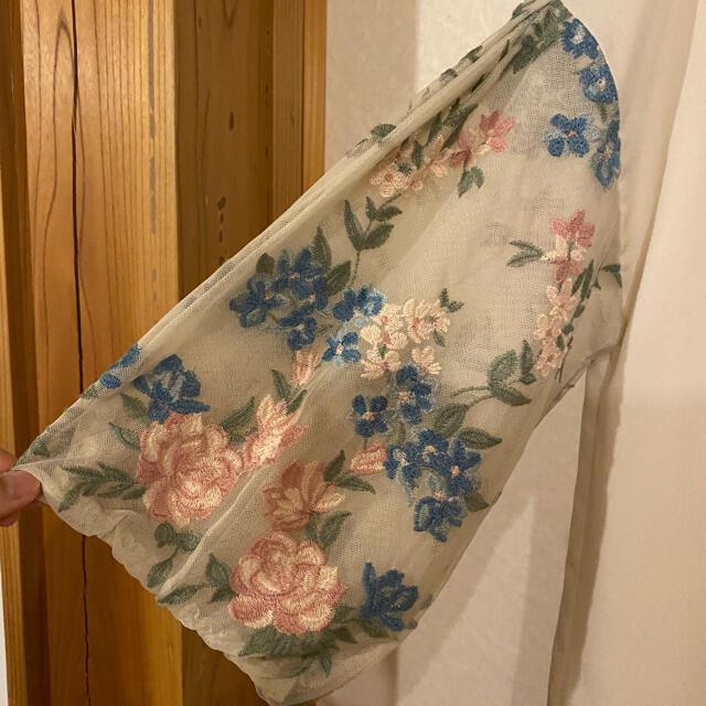 Rose Tiara(ローズティアラ)の未使用タグ付 ローズティアラトップス大きいサイズ46 レディースのトップス(カットソー(半袖/袖なし))の商品写真