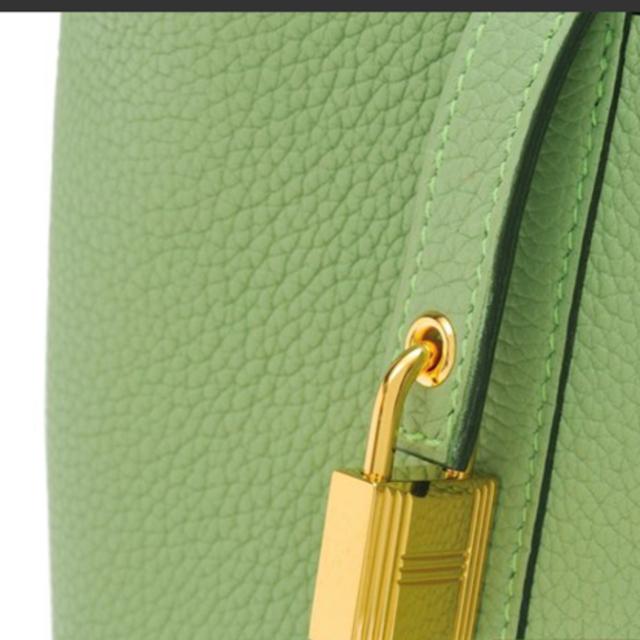Hermes(エルメス)のHERMESエルメス 入手困難 ピコタンPMヴェールクリケット ゴールド金具 レディースのバッグ(ハンドバッグ)の商品写真