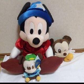 ミッキーマウス(ミッキーマウス)のビッグミッキーマウス かっばお面付きミッキー ウィンクぬいぐるみ 3 点 セット(キャラクターグッズ)