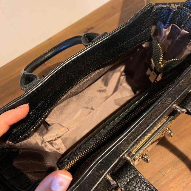PLAIN CLOTHING(プレーンクロージング)のプレーンクロージング PLAIN CLOTHINGレザーショルダーバッグ レディースのバッグ(ショルダーバッグ)の商品写真
