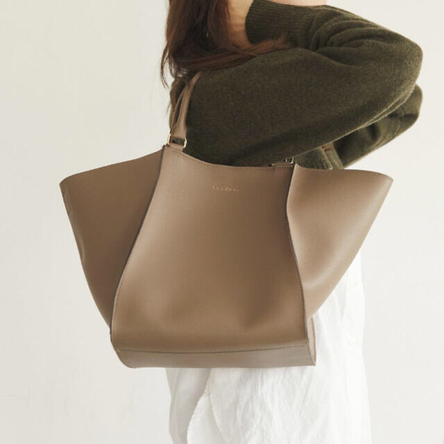 RANDEBOO RB gabu bag グレージュ レディースのバッグ(ハンドバッグ)の商品写真