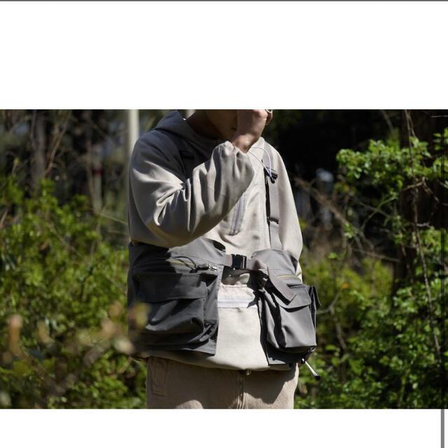 1LDK SELECT(ワンエルディーケーセレクト)のDAIWA PIER39 MULCH POCKET  VEST GRAY メンズのトップス(ベスト)の商品写真