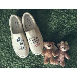 ディズニー(Disney)の【新品】レトロミッキースリッポン靴(スリッポン/モカシン)