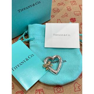 ティファニー(Tiffany & Co.)のティファニー ブローチ ハート リボン コンビ シルバー 925 YG 750(ブローチ/コサージュ)