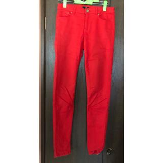 エイチアンドエム(H&M)のH&M 赤オレンジ スキニーパンツ(スキニーパンツ)
