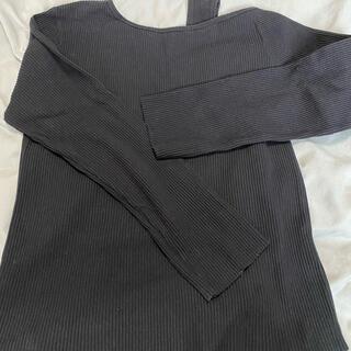 ダブルクローゼット(w closet)のワンオフショルトップス(Tシャツ(長袖/七分))