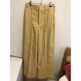 ジーユー(GU)のGU カラー ストレート パンツ M 黄色(カジュアルパンツ)
