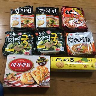 韓国ラーメンハヌリ 安城湯麺 オットギ ノグリとお菓子のセットです(インスタント食品)