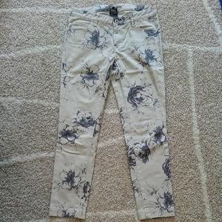 ダブルスタンダードクロージング(DOUBLE STANDARD CLOTHING)のダブルスタンダードクロージング 花柄パンツ(スキニーパンツ)