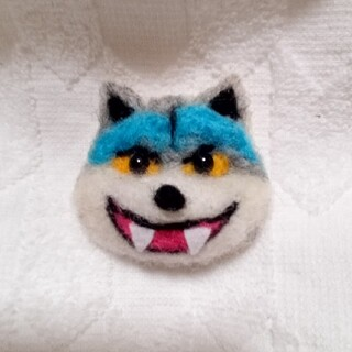 オオカミのブローチ(ブローチ/コサージュ)