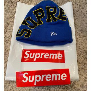シュプリーム(Supreme)のSupreme NEW ERA ニット帽  新品タグ付きコラボ ステッカー付き(ニット帽/ビーニー)