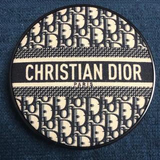 クリスチャンディオール(Christian Dior)のディオールスキン フォーエヴァークッションファンデーション 2N(ファンデーション)