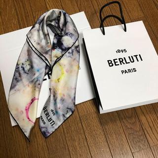 ベルルッティ(Berluti)の新品19aw定価約5万円ベルルッティberlutiマーブルプリントシルクスカーフ(バンダナ/スカーフ)