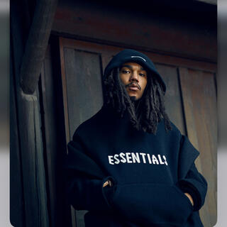 エッセンシャル(Essential)のEssentials knit hoodie  ブラック ニット ロゴ フーディ(ニット/セーター)
