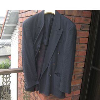 フェンディ(FENDI)のフェンディ正規品 そよ風にもなびくしなやかシルクタッチを最大限にスーツにした(セットアップ)