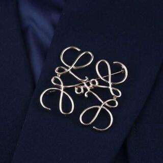 ブローチ シルバー 銀 幾何学模様 アクセサリー コート 服 飾り 上品(ブローチ/コサージュ)