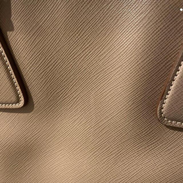PRADA(プラダ)のプラダ サフィアーノ バック 超美品 レディースのバッグ(ショルダーバッグ)の商品写真