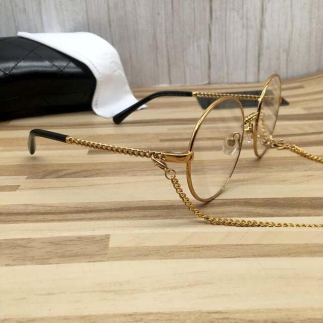 CHANEL(シャネル)のシャネル メガネ 金フレーム黒テンプル チェーン付き2186 レディースのファッション小物(サングラス/メガネ)の商品写真
