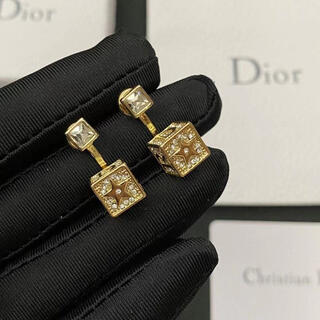 Dior - 黄銅 立体ストーン ピアス 1点物、早勝
