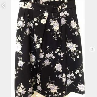 ファビュラスアンジェラ(Fabulous Angela)の花柄フレアスカート 花柄スカート(ひざ丈スカート)