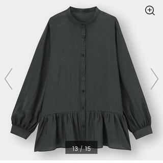 GU - 新品 GU ジーユー ギャザーフレアロングシャツ M