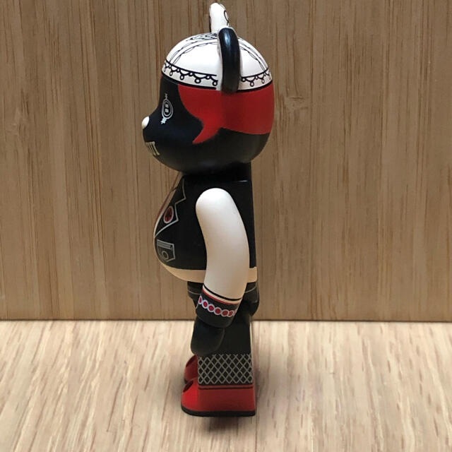 ANNA SUI(アナスイ)のベアブリック  100% アナスイ 赤 エンタメ/ホビーのフィギュア(その他)の商品写真