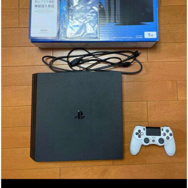 PlayStation4(プレイステーション4)のps4pro CUH-7200 1TB エンタメ/ホビーのゲームソフト/ゲーム機本体(家庭用ゲーム機本体)の商品写真