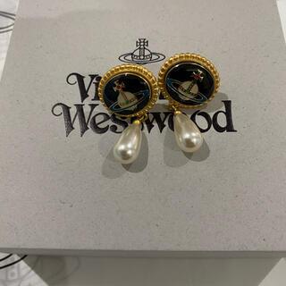 Vivienne Westwood - ヴィヴィアン ウエストウッド  エナメルボタン オーヴ ピアス
