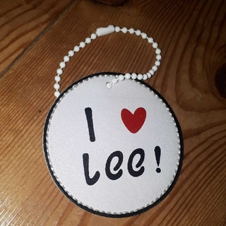 リー(Lee)の【新品❗】おなかに赤ちゃんがいます × I ❤ Lee マタニティーキーホルダー(その他)