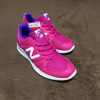 ニューバランス(New Balance)の570ニューバランスジャパン(24.5)色が鮮やかで男女どちらにもOK新品未使用(スニーカー)