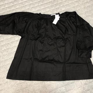 プードゥドゥ(POU DOU DOU)のプードゥドゥ 黒ブラウス 新品未使用✨(シャツ/ブラウス(長袖/七分))