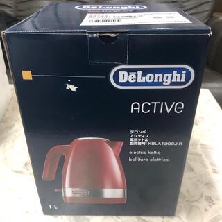 デロンギ(DeLonghi)のデロンギ KBLA1200J-R 電気ケトル 1.0L パッションレッド(電気ケトル)