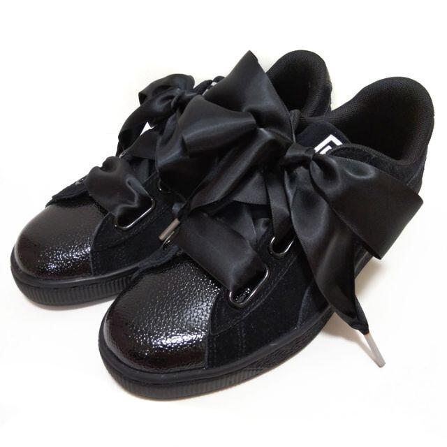 PUMA(プーマ)のプーマ PUMA 太リボン スニーカー スエード ハート バブル 23.5 黒 レディースの靴/シューズ(スニーカー)の商品写真