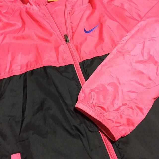 NIKE(ナイキ)のNIKEのウィンドブレーカ レディースのジャケット/アウター(ナイロンジャケット)の商品写真