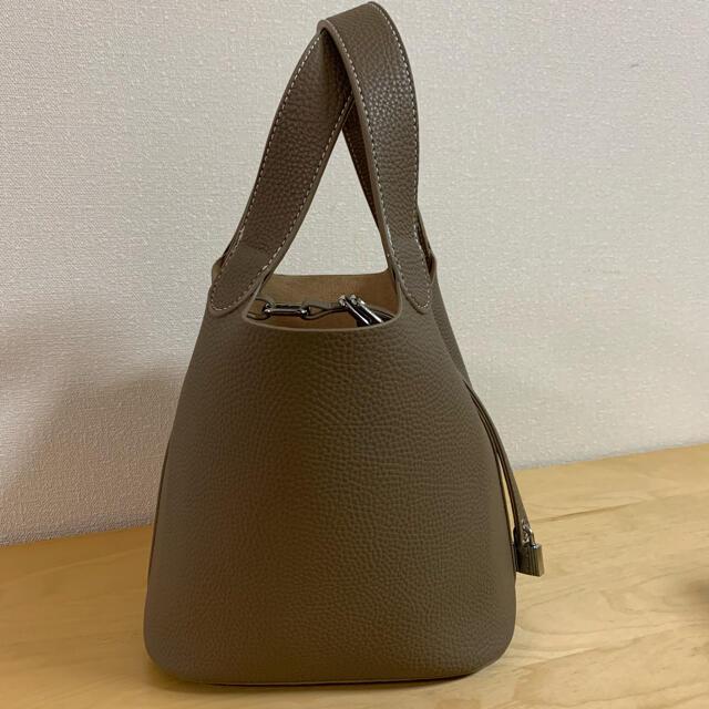 新品未使用✨大人気キューブバッグ ポーチ付き♪ レディースのバッグ(ハンドバッグ)の商品写真